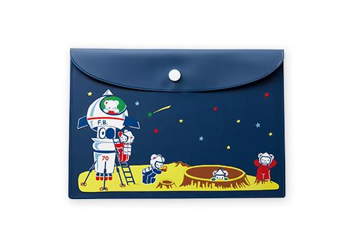 クリアケース 935円(税込) サイズ:たて約16cm×よこ約23cm