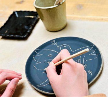 ヨックモックミュージアム『ピカソの技法体験・陶器の掻き落としをやってみよう』